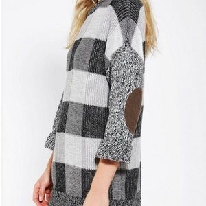 BDG Buffalo Check Sweater Tunic Elbow Patches S